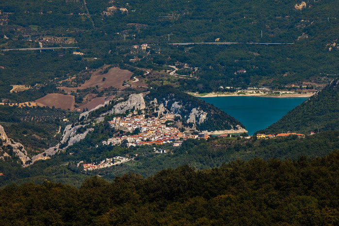 Panorama con il Lago di Bomba