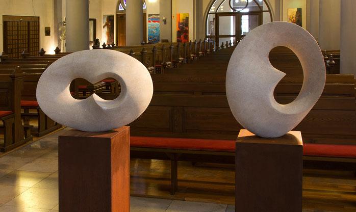 """Skulpturen, Stein, Gabriele Zutz, Kunstkreis Siegerland, Ausstellung """"Licht und Schatten"""" 2016 St. Joseph Kirche Siegen-Weidenau"""