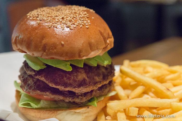 LifeTeria オーセンティック Authentic ハンバーガー