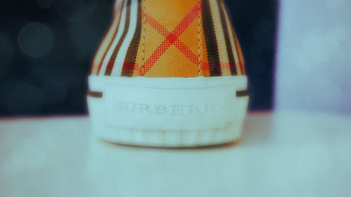Sneaker von Burberry nach Kundenwunsch repariert