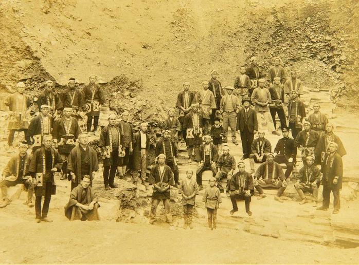 砥石の採石と搬出に携わった人たち(最盛期には500人が携わっていたそうです。)