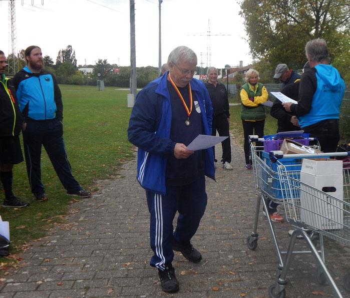 Karl-Josef Knecht siegte im Rundgewichtwerfen.