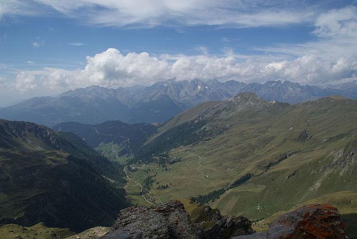 Rund 800 Höhenmeter tiefer liegt der Ausgangspunkt die Asten