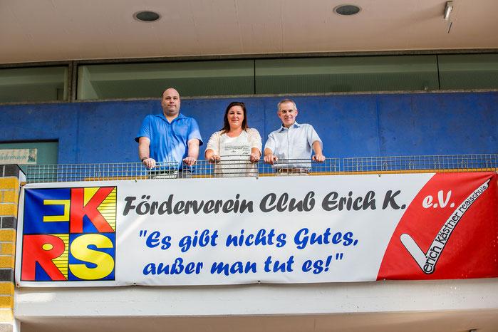 Foto mit Ulrich Laumann (Rektor EKRS), Petra Schick (Geschäftsführerin Schick GmbH), Andreas Becker (Kassier Förderverein)