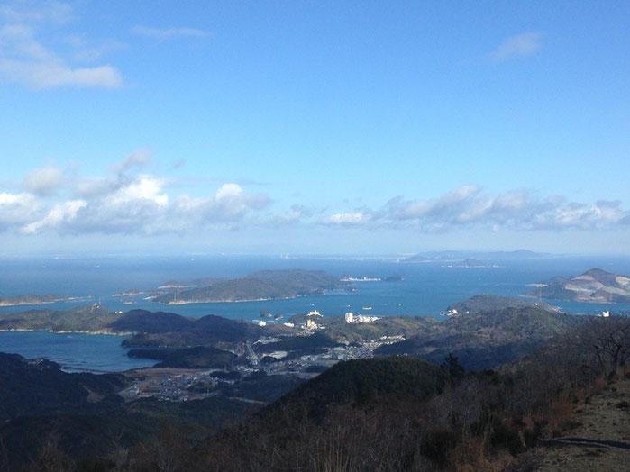 本日の三重県伊勢の朝熊山山頂の絶景写真より。