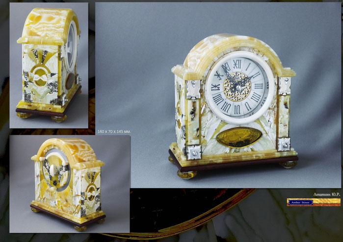 Часы настольные в янтарном корпусе. Балтийский янтарь