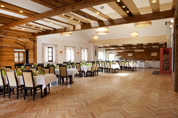 Der große Saal im Gasthaus Göttlinger