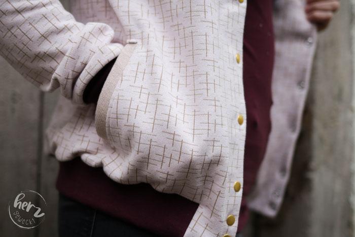 Blouson Nabu aus Jaquard Loom Gold-Puder von Hello Heidi Fabrics by Albstoffe