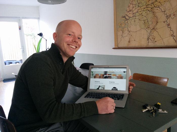 Bart met zijn webshop