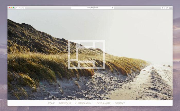Jill hat neben ihrer Vorliebe für Design auch ein Faible für die Fotografie! Daher nutzt sie auf ihrer eigens programmierten Jimdo-Seite selbstgeschossene Fotos als Blickfang!