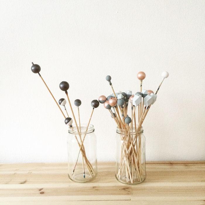 handbemalte Holzperlen im Atelier Belle Accessoires, hand painted wooden beads