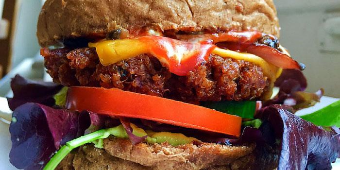 caribbean burger mooshka Amsterdam