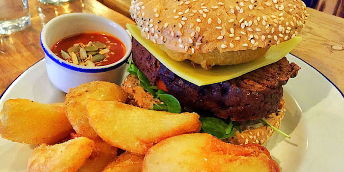 vegan cheeseburger anna loka