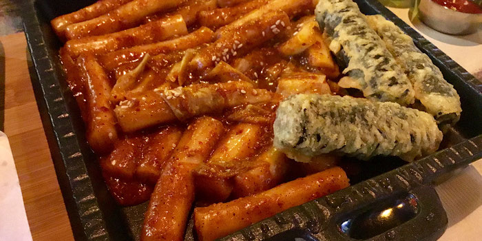 Korean Tteokbokki with gimmari fried seaweed rice rolls