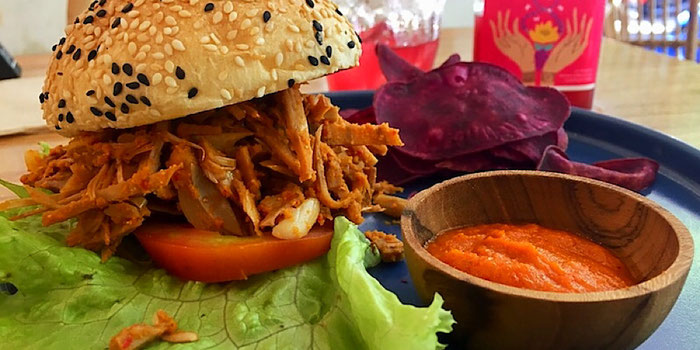 jackfruit burger at dharma coffee and juice ubud bali