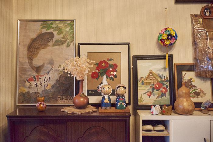 畠山家には今も畠山鶴松の子孫らが描いた絵が額装されて飾られている。絵を描くことが好きで、身近に絵があった一家のようだ。