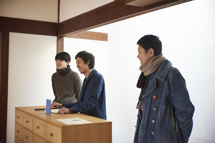 右から山本太郎先生、UMMMの北原和規さん、藤井良平さん。