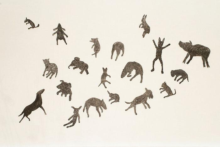 Alle Tiere fliegen hoch, 2013 variable Wandinstallation, Kohle und Acryl auf Speerholz, 240x400,   © Kunstverein Bellevue-Saal Wiesbaden
