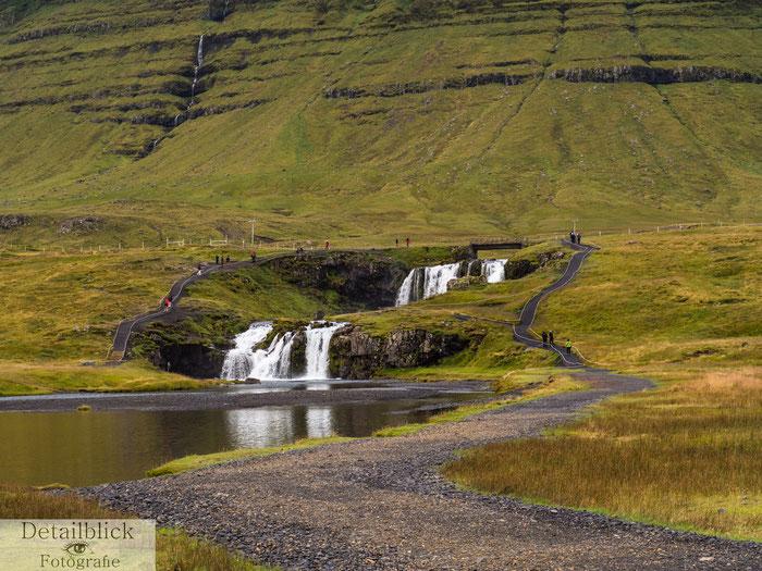 Kirkjufellfoss-Wasserfall bein Kirkjufell