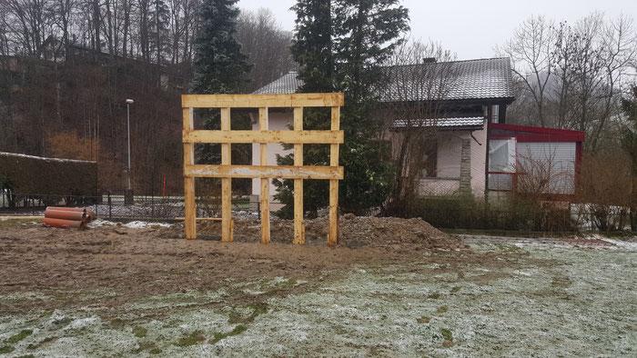 Pose d'un châssis de panneau publicitaire 6 X 5 mètres. La Roche Fribourg Mars 2016