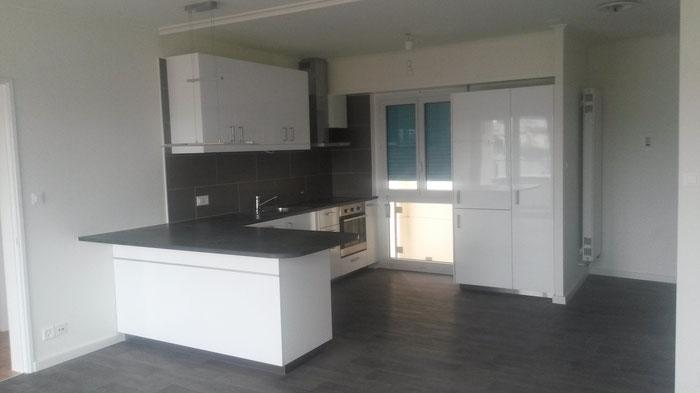 Même cuisine 2 mois après. Rénovation d'un appartement 3.5 pièces à Chailly - Lausanne