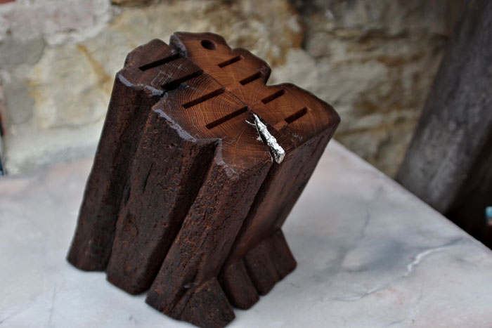 Edelste Messerblöcke, Holzbretter, Servierbretter aus Holz, gefertigt aus alten Eichen-Fachwerkbalken und Blattgold