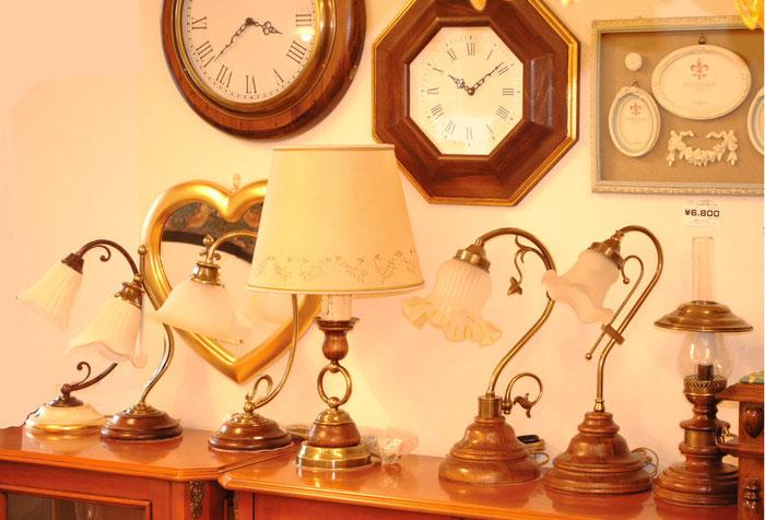 テーブルランプ LEDランプ LED照明 真鍮 おしゃれ イタリア製 カパーニ 古木 ランプ 照明器具 クラシック エレガント ゴージャス CAPANNI