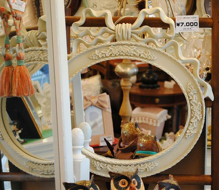 ミラー リボン ウォールミラー ホワイト 壁掛け鏡 白