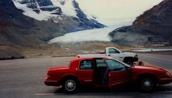 Auch hier: Rückgang der Gletscher. Aber die Parkplätze schrumpfen nicht.