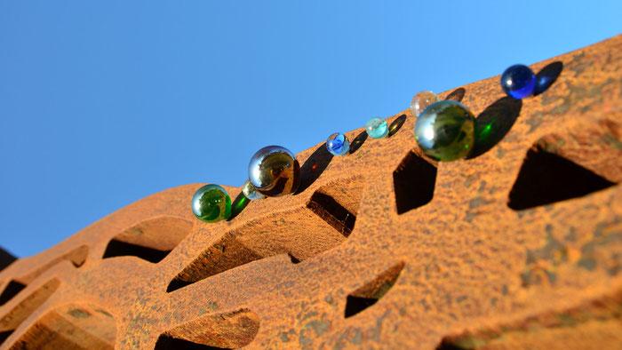 Glas auf Metal