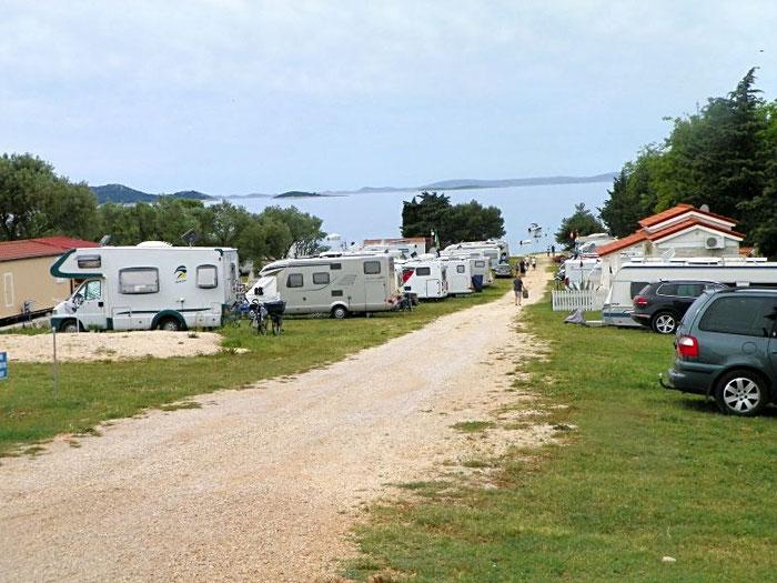 Auto Camp Zora gleich daneben - geöffnet ;-)