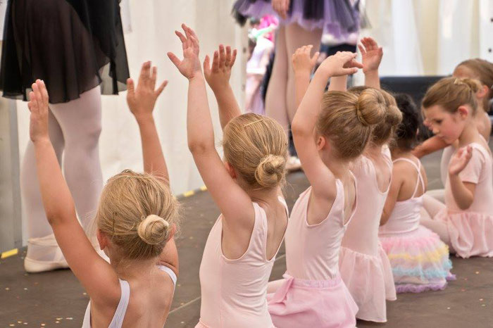 Unsere kleinen Ballerinas beim Angerfest 2017 :) Foto: Angervilla via facebook