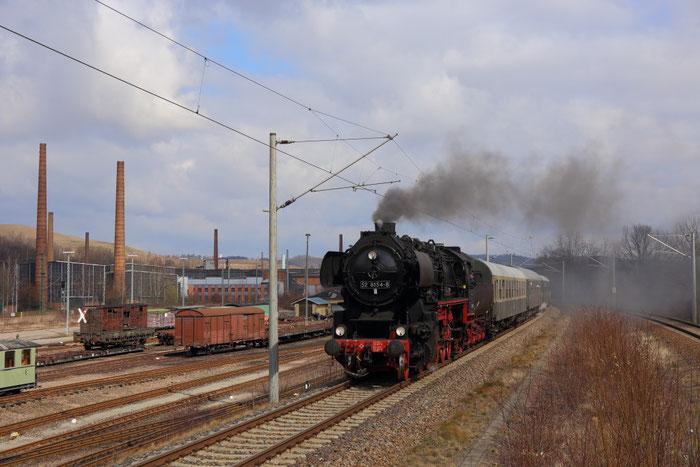 52 8154 mit einem Sonderzug von Leipzig nach Freital