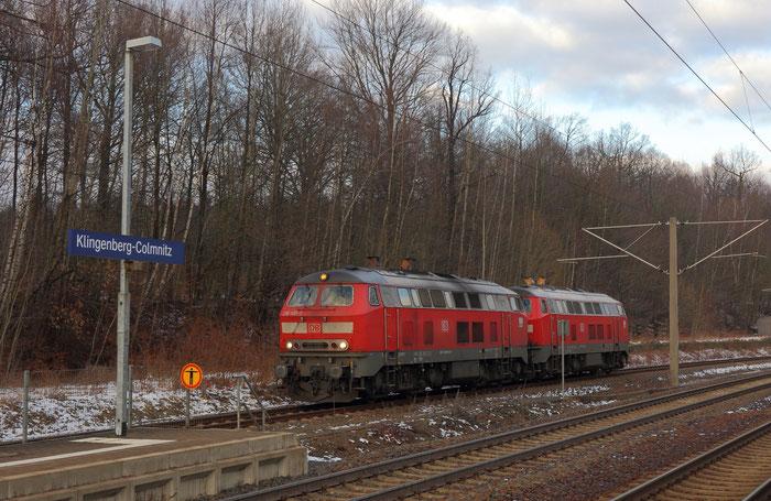 218 495 und 218 409 auf dem Weg von Cottbus nach Freiberg in Klingenberg