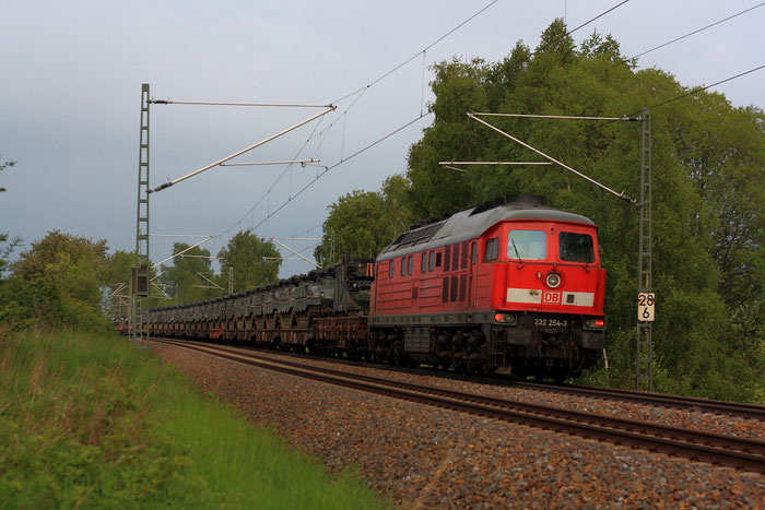 232 254 als Schublok eines Militärzuges von Marienberg nahe Colmnitz