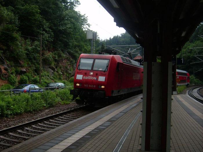 145 042 mit S-Bahn in Edle Krone (Sichtungsbild)