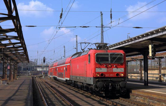 143 126 mit RB 30 in Dresden