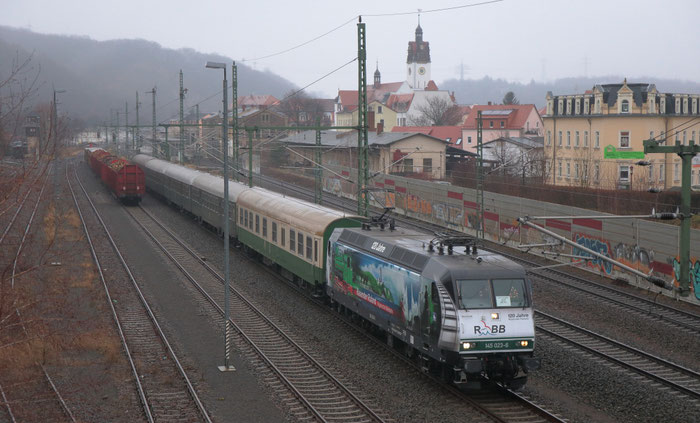 Press 145 023 mit RE 3 nach Hof in Freital Potschappel