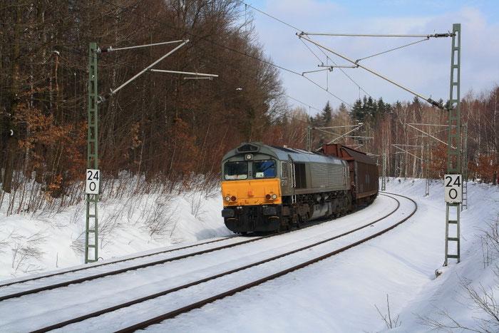266 106 mit Papierzug bei Klingenberg