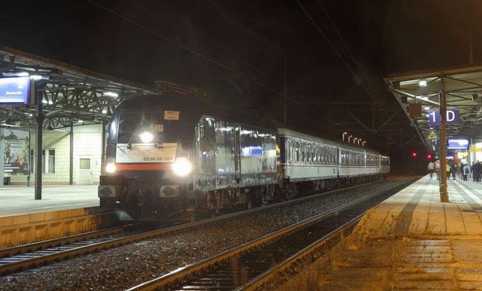 185 524 mit RE 3 nach Dresden in Freiberg