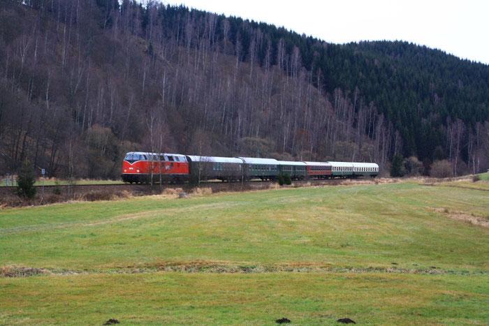 228 501 mit Sdz auf der Fahrt von Neuhausen nach Olbernhau
