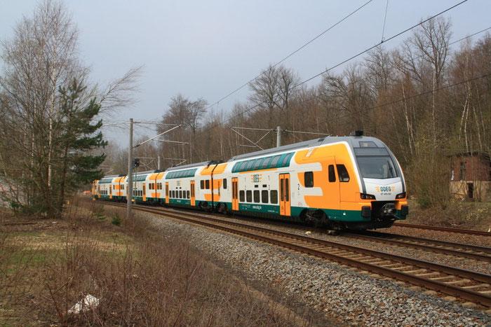 ET 445 102 bei der Abfahrt aus dem Bahnhof Klingenberg-Colmnitz