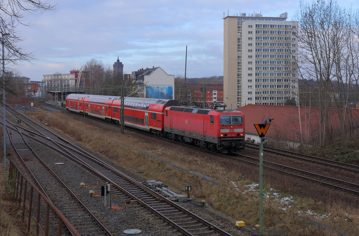 143 116 mit RE 3 in Chemnitz Süd