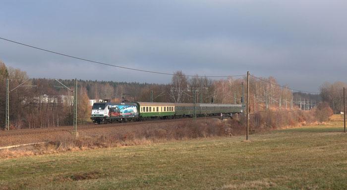 145 023 mit RE 3 nach Hof bei Colmnitz