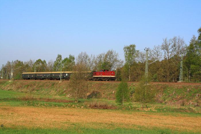 202 327 mit Sdz nach Bautzen kurz vor Klingenberg-Colmnitz