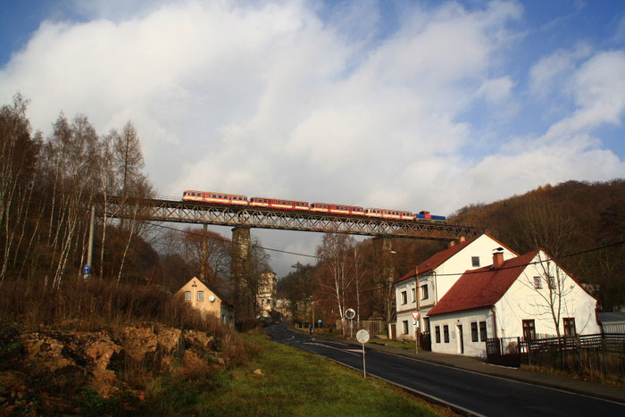 Sdz auf Viadukt bei Klostergrab (Hrob)