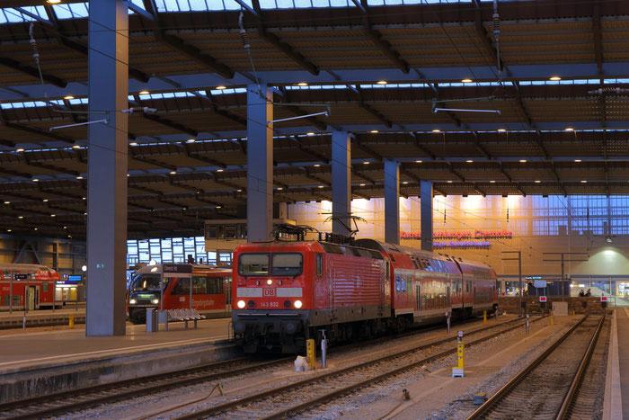 143 932 mit RB 45 in Chemnitz