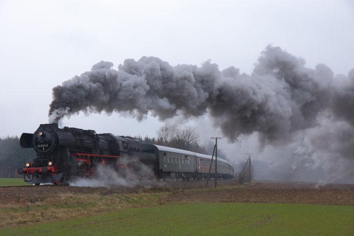 52 8131 mit Sonderzug auf der Zellwaldbahn bei Kleinwaltersdorf