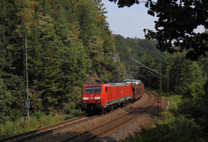 189 004 mit einem Autozug nach Westsachsen hinter Edle Krone