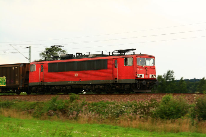 155 020 mit Gz vor dem Bhf. Klingenberg Colmnitz